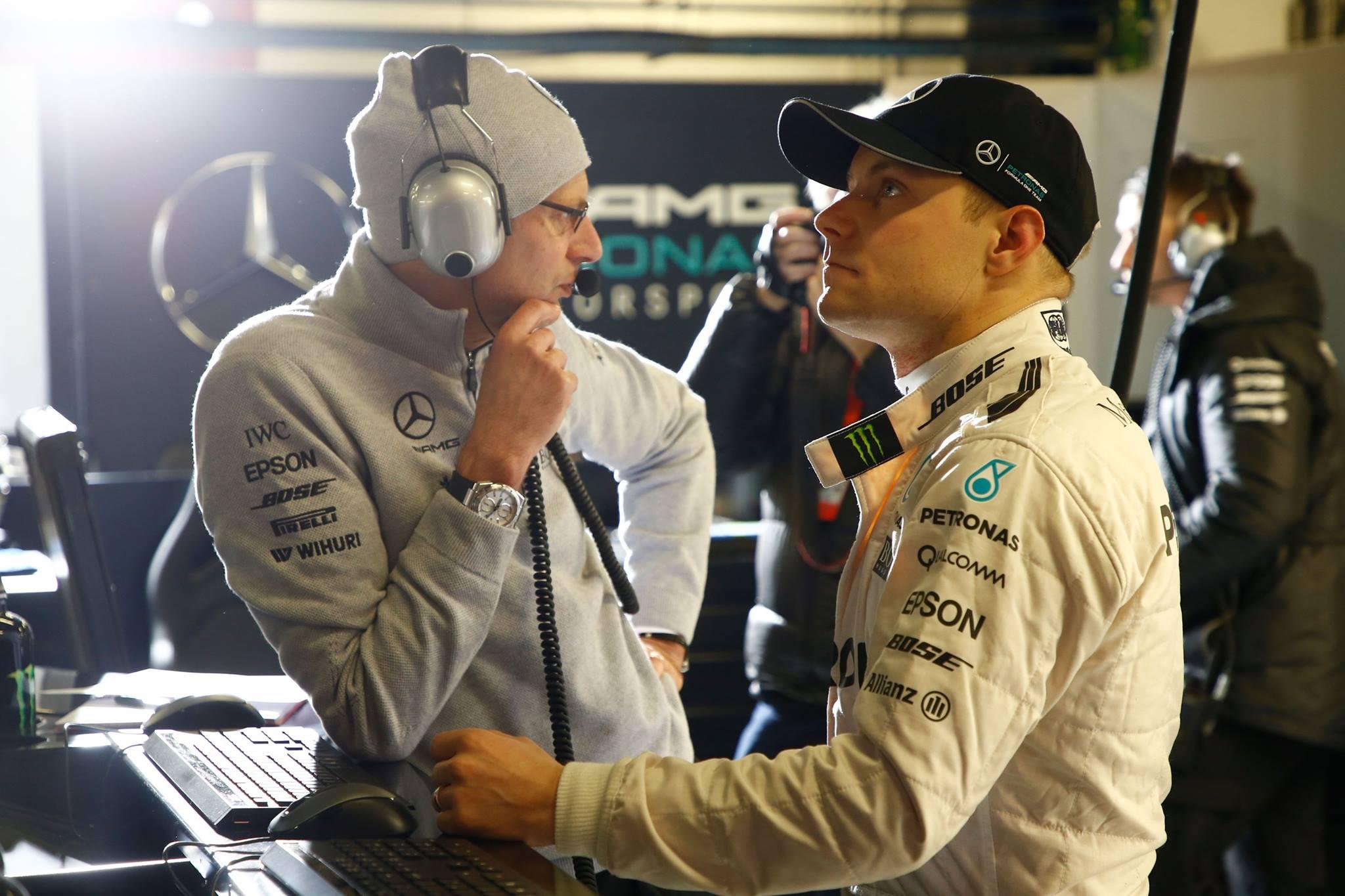Valtteri Bottas i Mercedes-stallet. Foto: Mercedes-AMG Petronas Motorsport/ Facebook